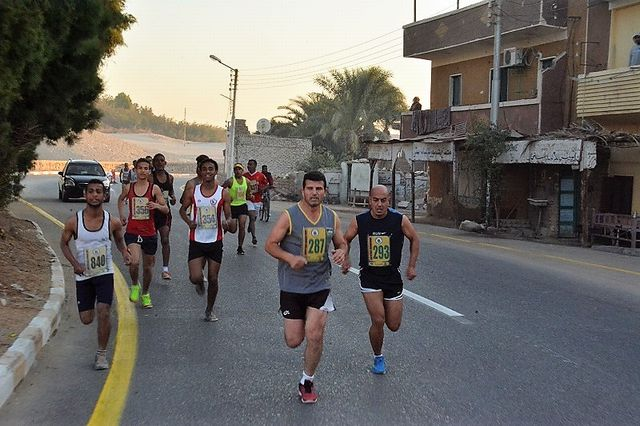 クルナ村を走る